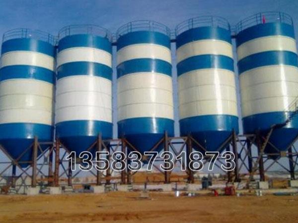 具有可拆卸底部装置可以排除物料沉积造成的凝结堵塞